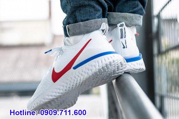 Những mẫu giày Nike thật sẽ có thiết kế phần đế êm ái để giúp quá trình di chuyển của đôi chân thuận lợi